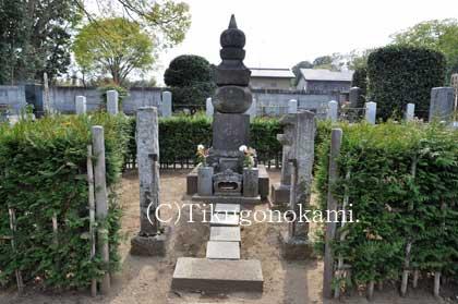 鮭延秀綱の墓