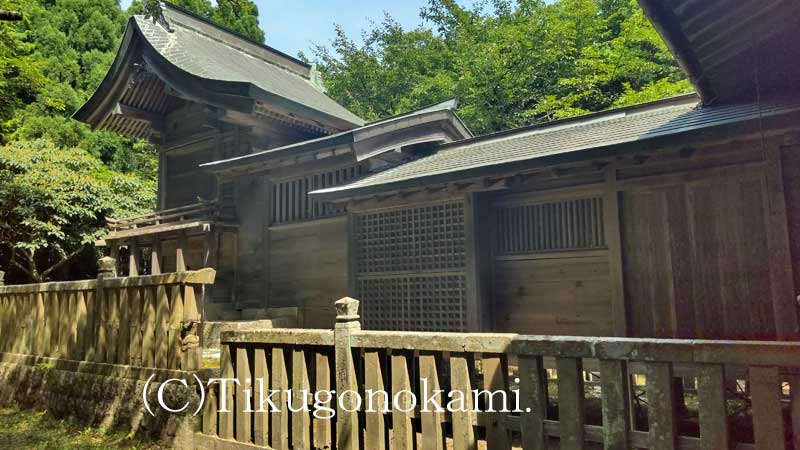 富長神社の社殿